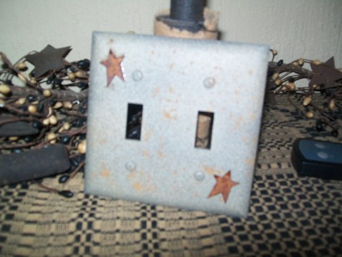 PRIMITIVE DOUBLE STAR SWITCHPLATE ANTIQUE TAN
