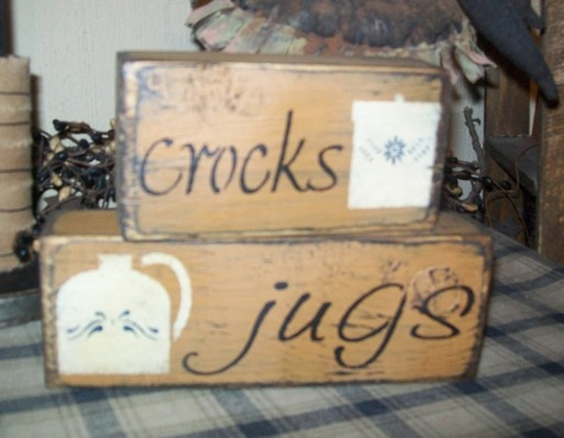 CROCKS, JUGS PRIMITIVE BLOCK SIGN SIGNS