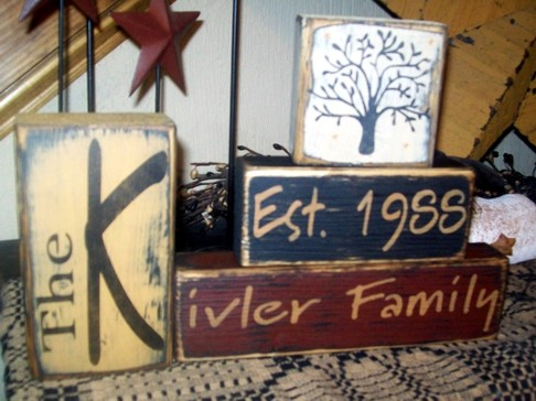 CUSTOM FAMILY NAME AND DATE WITH TREE PRIMITVE BLOCK SIGN SIGNS
