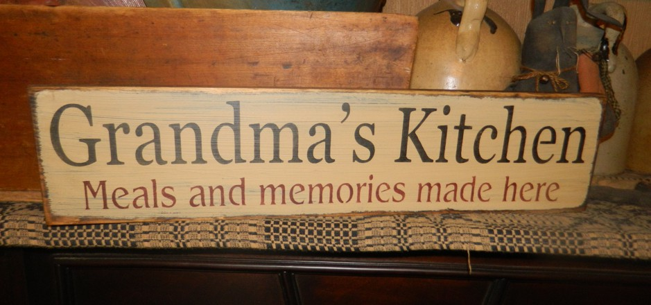 GRANDMA'S KITCHEN PRIMITIVE SIGN SIGNS