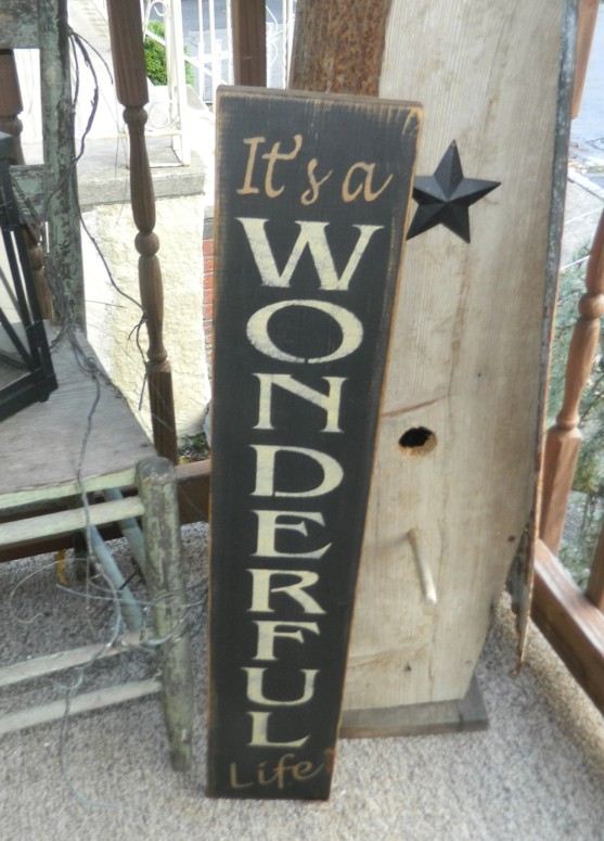 #3301 IT'S A WONDERFUL LIFE PRIMITIVE CHRISTMAS SIGN SIGNS