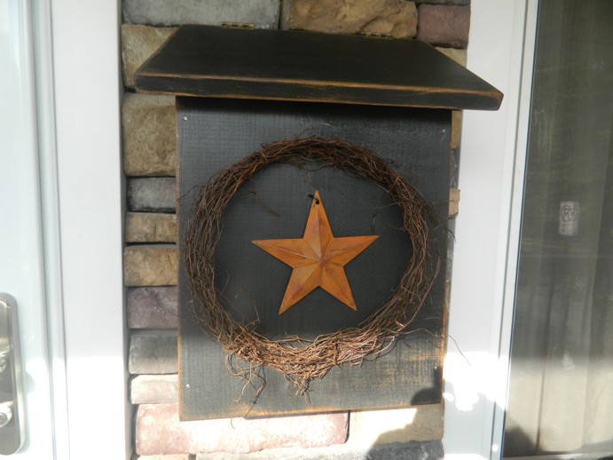 PRIMITIVE MAILBOX MAIL BOX BLACK TWIG WREATH STAR
