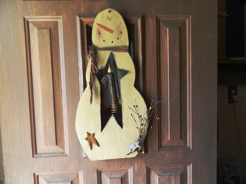PRIMITIVE SNOWMAN WINTER CHRISTMAS  DOOR HANGER