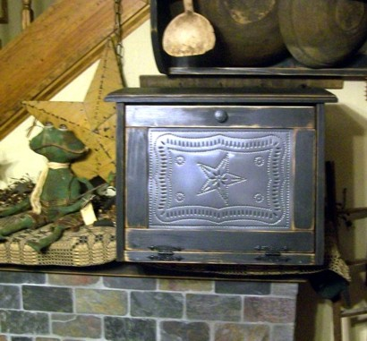 PRIMITIVE BREADBOX BREAD BOX STAR