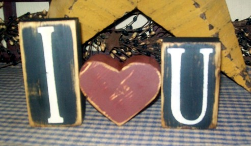 I LOVE U VALENTINE BLOCK SIGN SIGNS