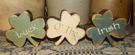 LUCK O' THE IRISH SHAMROCKS 2 PRIMITIVE BLOCK SIGN SIGNS