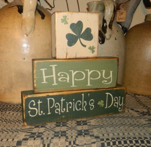 #1730 HAPPY ST. PATRICK'S DAY 2 PRIMITIVE BLOCK SIGN SIGNS